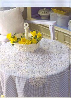 "Photo from album ""Burda Special Вязание on Yandex. Crochet Tablecloth, Crochet Doilies, Crochet Art, Crochet Patterns, Mantel Redondo, Table Centers, Free Pattern, Table Decorations, Simple"