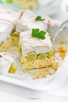 Ciasto agrestowe z bezową pianką