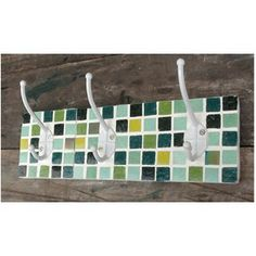 perchero-triple-madera para baño o recibidor Mosaic Crafts, Craft Gifts, Mirror, Mosaic Ideas, Gift Ideas, Kitchen, Coat Tree, Craft, Tiles