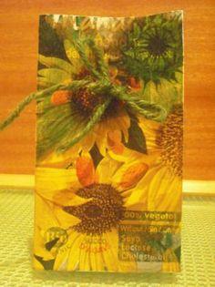 bolsita para regalos, hecha con bric reciclado bolsita original para regalos bric leche  papel  cola reciclaje  decoupage