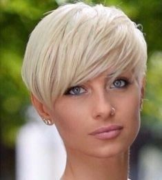 Gray Wigs African Americans Best Shampoo To Stop Grey Hair Silver White Hair Extensions - Balayage Haare Blond Kurz Short Pixie Haircuts, Pixie Hairstyles, Short Hairstyles For Women, Short Hair Cuts, Straight Hairstyles, Short Hair Styles, Blonde Hairstyles, Layered Hairstyles, Quick Hairstyles