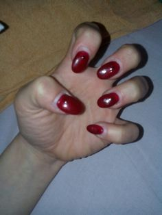 Rosso scuro ovali