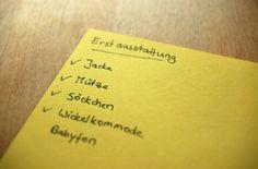 Wickeltuch Anleitung - Wickeltischauflage - Notizzettel für die erste Babyausstattung - http://www.wickelkommode-wickeltisch.com/bindeanleitung-wickelkreuztrage-fuer-diverse-babytragetuecher-bestens-geeignet/