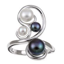 I love the assymetrical curves on this piece. I've been wanting a black pearl/white pearl ring to symbolize different parts of my personality-this one's lovely-from overstock.com