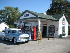 vintage travel gas stations | Route 66 Gas Station ...When Gas Was Afordable. Photo Credit: Ivo ...