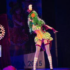 Female Joker cosplay by Reidoll Female Joker Cosplay, Harley Quinn Cosplay, Halloween Themes, Halloween Party, Halloween Costumes, Costume Joker, Circus Fancy Dress, Dark Circus, Best Cosplay