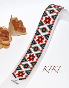 Rhythm of flowers peyote beaded bracelet with flowery pattern in red, orange…
