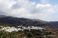 """#Granada - #Juviles - 36º 56' 42"""" -3º 13' 37"""" / 36.945000, -3.226944  Foto cortesía de @trotamundis . De los pueblos más pequeños de la Alpujarra pero de los que más encantos guarda. Famoso por sus jamones y por sus hermosos paisajes de la Sierra."""