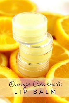 Whip up this DIY Orange Creamsicle Lip Balm with orange and vanilla. It's easy to make and keeps your lips beautifully nourished! Lip Scrub Homemade, Homemade Moisturizer, Homemade Skin Care, Homemade Beauty Products, Diy Lip Scrub, Orange Creamsicle, Lip Whip, Lip Balm Recipes, Deodorant Recipes