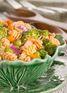Pasta Salad Primavera | We've added plenty of crunchy and colorful veggies to this pasta salad recipe before topping it with a special seasoning and dressing blend. Yum!