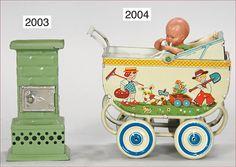 Ladenburger Spielzeugauktion GmbH Dollhouse Toys, Dollhouse Miniatures, Antique Toys, Vintage Toys, Baby Buggy, Dolls Prams, Tin Toys, Stoves, Dollhouses
