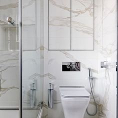 Just look at that book matches marble!  I love when my team goes the extra mile for our clients #marble #bookmatched #interiordesign #interiordesigns #interiordesigning #interior #interiordecor #interiordecoration #interiorinspiration #interiors #interiordesignideas #homebeautiful #homedesign #homestyling #passion4interiors #design #colour #hometour #decor #bathroom #bathroomdesign #modernbathroom #decor #interiordesign