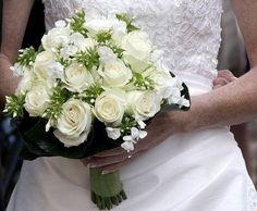 wedding flower arrangements | Bruidsboeket wit: Repins Wedding Bouquet, Bloemstukken Bruiloft ...
