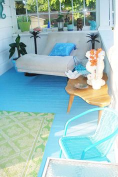 turquoise floor...cool for a porch.