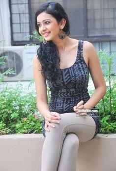 Rakul Preet Singh photo gallery - Telugu cinema actress Beautiful Girl Indian, Most Beautiful Indian Actress, Beautiful Girl Image, Beautiful Bollywood Actress, Beautiful Actresses, Girl Fashion Style, Bollywood Girls, Cinema Actress, Stylish Girl Images