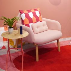 Déco rose blush : conseil par la maison - Clem Around The Corner Rebecca Judd, Design Blog, Salon Design, Deco Rose, Clem, Rose Pastel, Blog Deco, Around The Corner, Blush Roses