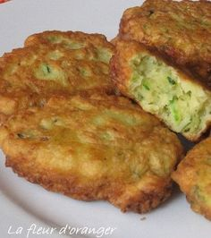 The Big Diabetes Lie- Recipes-Diet - Recette - Beignets de courgettes - Proposée par 750 grammes - Doctors at the International Council for Truth in Medicine are revealing the truth about diabetes that has been suppressed for over 21 years. Vegetable Recipes, Vegetarian Recipes, Cooking Recipes, Healthy Recipes, Desserts Thermomix, Zucchini Fritters, Fried Zucchini, Recipe Zucchini, Pesto Recipe