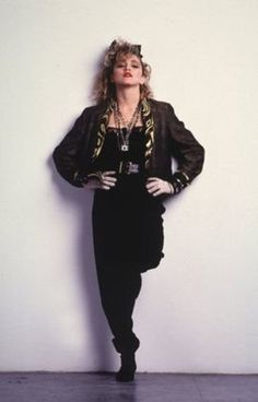 Rosanna Arquette and Madonna in Desperately Seeking Susan Madonna 80s Outfit, Madonna 80s Fashion, 1980s Madonna, Madonna Costume, 90s Fashion, Mtv, Madonna Looks, Look 80s, Desperately Seeking Susan