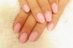 delicate precious wedding nails