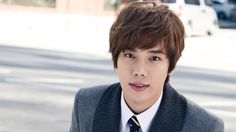 SS501′s Park Jung Min to Enlist in Military Next Month