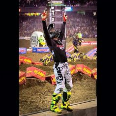 Chad Reed!!!!  That was an amazing win!  I actually got teary eyed watching him!