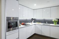 Grey Kitchen Designs, Luxury Kitchen Design, Kitchen Room Design, Contemporary Kitchen Design, Kitchen Cabinet Design, Home Decor Kitchen, Interior Design Kitchen, Home Kitchens, Modern Kitchen Interiors