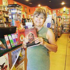 YA author Cinda Williams Chima paid out Kitty Hawk store a visit this week!!! #islandbookstoreobx #readtoyourchildren