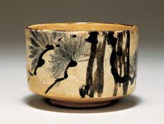 OGATA Kenzan「銹絵染付松樹文茶碗」 尾形乾山 江戸時代 18世紀前半サントリー美術館