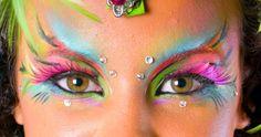 Make-up tips Carnival white gold stones- Schminktipps Fasching weiße gilzersteine Make-up tips Carnival white gold stones - Makeup Art, Makeup Tips, Makeup Ideas, Kids Makeup, Gold Makeup, Fairy Eye Makeup, Carnival Makeup, Rio Carnival, Carnival Girl