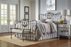 Antique reproduction iron beds, available with or without brass accents in many finishes. Bed bench and table to match! Black Iron Beds, Wrought Iron Bench, Brass Bed, Ottoman Bed, Bed Bench, Bench Furniture, Bedroom Vintage, Bed Styling, Bed Sizes