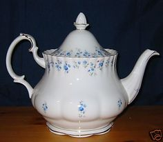 Royal Albert - Memory Lane - Large Teapot This dinner and tea set was given to me by my Auntie Mary.