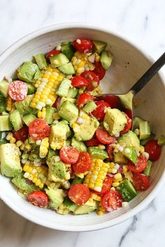 This Corn Tomato Avocado Salad is summer in a bowl! The perfect side dish with a… This Corn Tomato Avocado Salad is summer in a bowl! The perfect side dish with anything you're grilling, or double the portion as a main dish. Whole Food Recipes, Cooking Recipes, Grilling Recipes, Grilled Corn Salad, Roasted Corn Salad, Ham Salad, Fruit Salad, Clean Eating, Healthy Eating