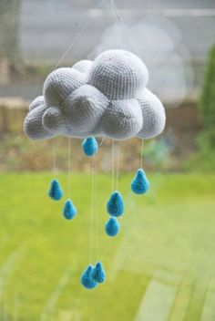 Cloud Mobile~So cute! Wish I could make that.