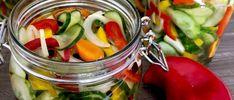 Sałatka z ogórków do słoików - Blog z apetytem Pickles, Cucumber, Vegetables, Blog, Vegetable Recipes, Blogging, Pickle, Zucchini, Veggies