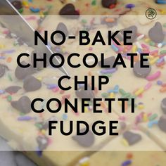 How to make no-bake chocolate chip confetti fudge food videos desserts easy Summer Dessert Recipes, Dessert Cake Recipes, Köstliche Desserts, Fudge Recipes, Healthy Dessert Recipes, Delicious Desserts, Yummy Food, Tastemade Dessert, Food Vids