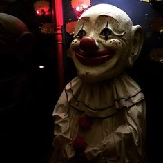 The final day of my #Houseontherock series. Nothing says #creepy like an oversized #clown ready to spring to life. #Halloween