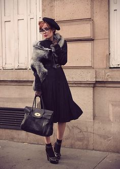 Louise Ebel (this is out fit is perfect but only with faux fur) 40s Fashion, Fashion Now, Modest Fashion, Vintage Fashion, Woman Fashion, Modest Outfits, Cool Outfits, Louise Ebel, Outfits