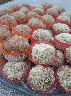 Karamell golyók, dióba mártogatva! Egy kis finomság, sütés nélkül! Food Styling, Muffin, Food And Drink, Dessert Recipes, Sweets, Cookies, Breakfast, Cake, Recipes