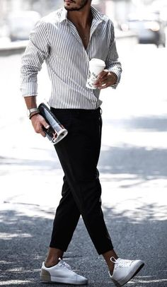 65 Best Outfits For Men According to Women - Men, listen up, just seven words: Dress up for yourself and the ladies. The best way to get ahead of your fashion game is finding out … Cool Outfits, Casual Outfits, Fashion Outfits, Work Casual, Men Casual, Outfits Hombre, Business Attire, Sweater Outfits, Stylish Men