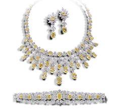 La Lumière Yellow & White Diamond Suite