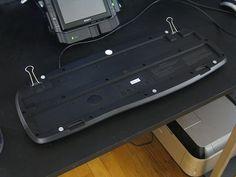 Use Binder Clips to Mend Broken Keyboard Feet Binder Clip Hacks, Binder Clips, Super Cool Stuff, Tech Hacks, Keyboard, Helpful Hints, Life Hacks, Technology, Computer Tips