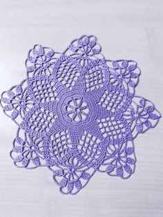 Crochet Decoration, Crochet Blouse, Crochet Doilies, Crochet Patterns, Throw Pillows, Design, Crochet Mandala, Crochet Purses, Crochet Dresses