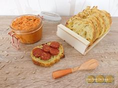 Rillettes de chorizo - Une Faim De Loup ! ! ! Chorizo, Foie Gras, Cheese, Food, Philly Cream Cheese, Cooking Recipes, Butter, Tomato Paste