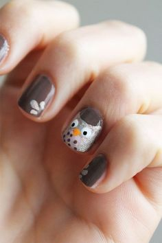 Would go perfect with the ear rings I have :) Rubin Pettis Owl Nail Art, Owl Nails, Minion Nails, Funky Nail Art, Funky Nails, Super Cute Nails, Pretty Nails, Ongles Funky, Disney Nails