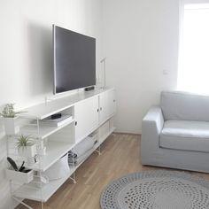 String Furniture Flat Screen, Furniture, Home, Blood Plasma, Ad Home, Flatscreen, Home Furnishings, Homes, Dish Display