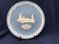 """Vintage Wedgwood Blue Jasperware House of Parliament Christmas Plate 1974 8-1/4"""" Collectible Plate by DublinsAttic on Etsy"""