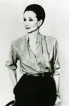Jacqueline wears clothes of her own design in a press-kit photograph shot by Bill King for her fashion line, 1980s. Courtesy of Jacqueline de Ribes