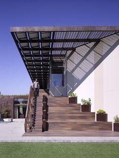 The Yin-Yang House by Brooks   Scarpa Architects