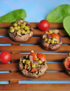 Easy and Healthy Stuffed Mushrooms with Peas & Garlic #vegan #recipes #glutenfree