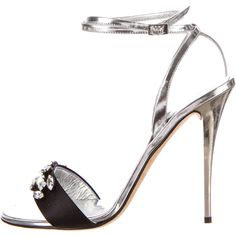 Pre-owned Giuseppe Zanotti Crystal Sandals ($175) ❤ liked on Polyvore featuring shoes, sandals, silver, giuseppe zanotti sandals, crystal sandals, giuseppe zanotti shoes, pre owned shoes and crystal shoes